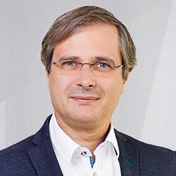 Dr. Ralf Knels
